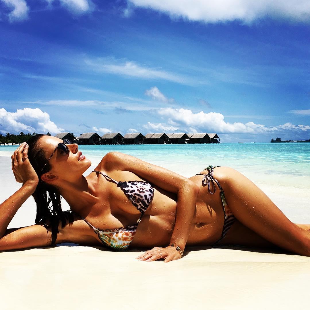 Alessandra Ambrosio Sexy 6 1