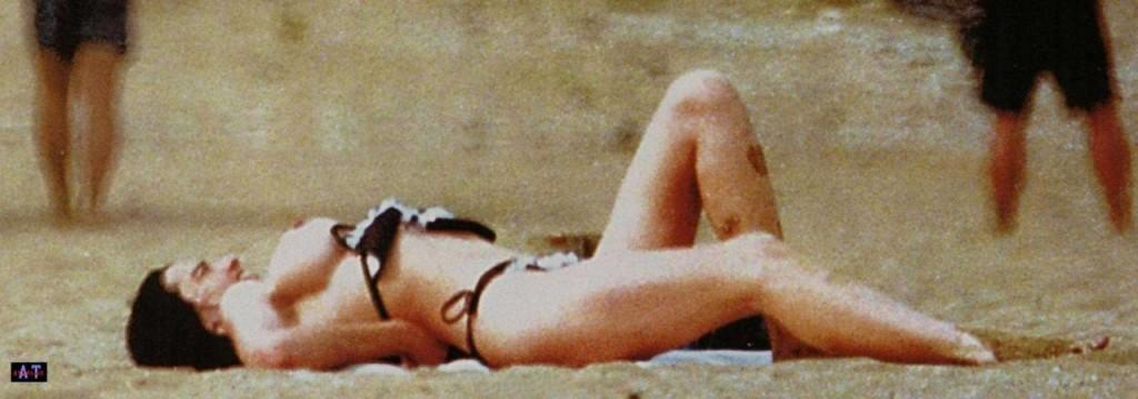 Beatriz Rico Topless 3