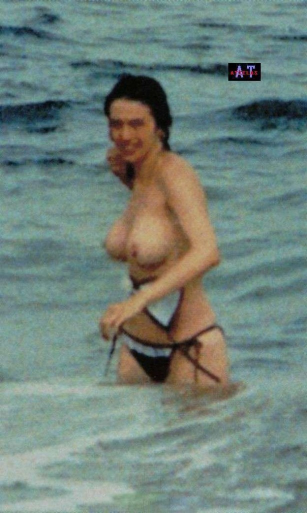 Beatriz Rico Topless 4