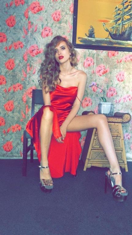Bella Thorne Sexy Pics 4