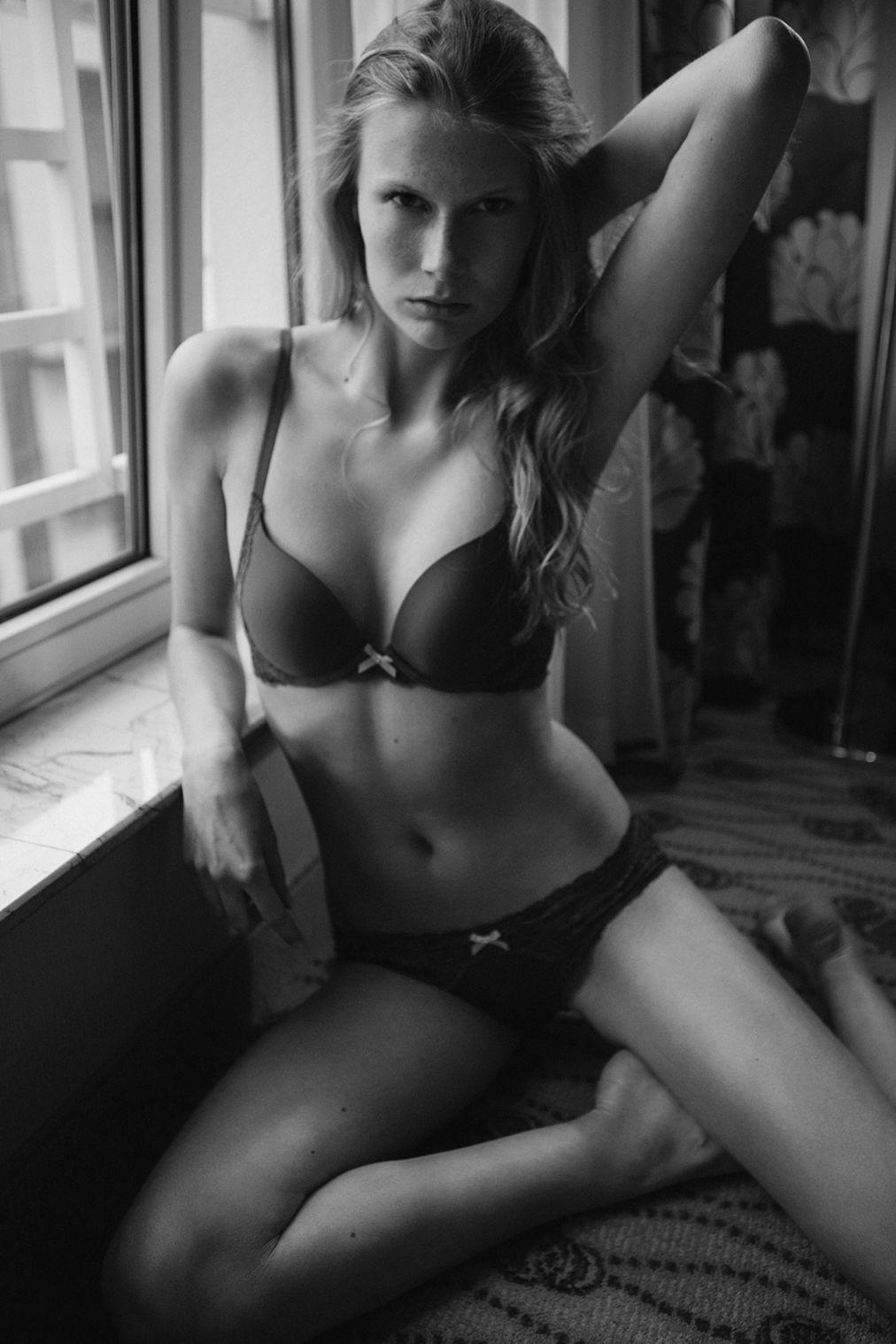 Charlotte Parthoens Topless 10