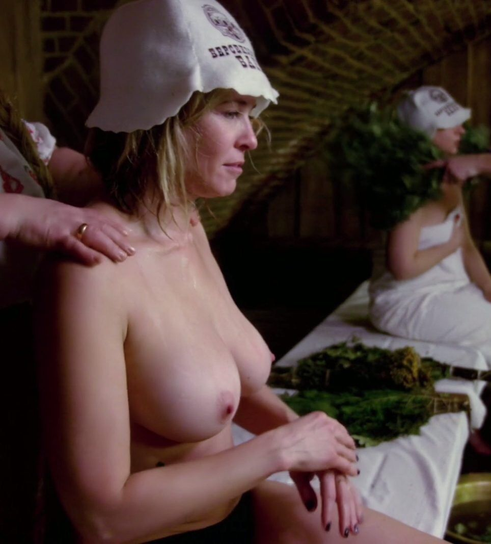 Chelsea Handler Topless Thefappening.so 0002
