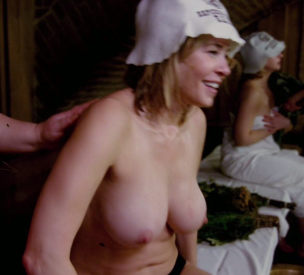 Chelsea Handler Topless Thefappening.so 0003