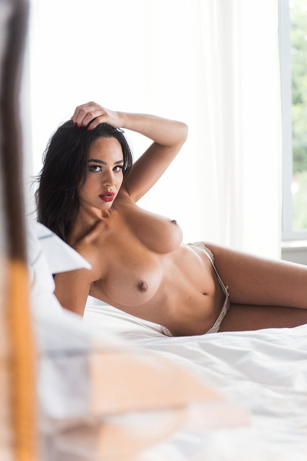 Courtnie Quinlan Sexy And Topless 4 Sn27749