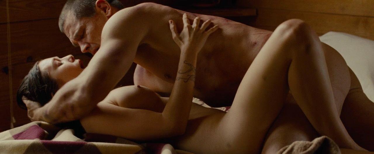Elizabeth Olsen Nude 2