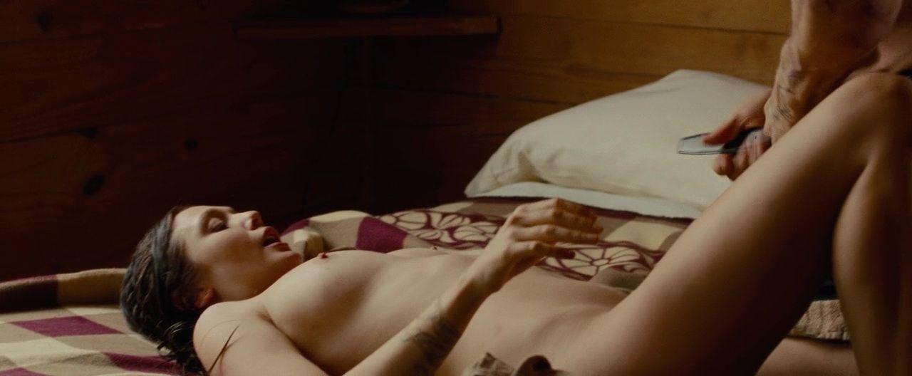 Elizabeth Olsen Nude 7