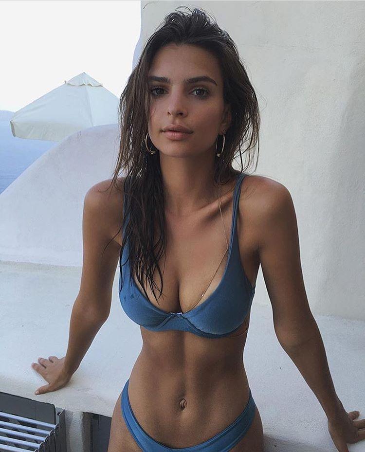 Emily Ratajkowski Sexy 7 1