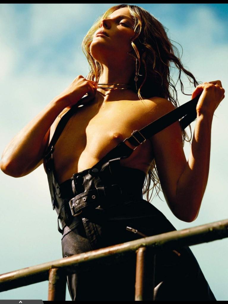 Eniko Mihalik Topless Photos 1