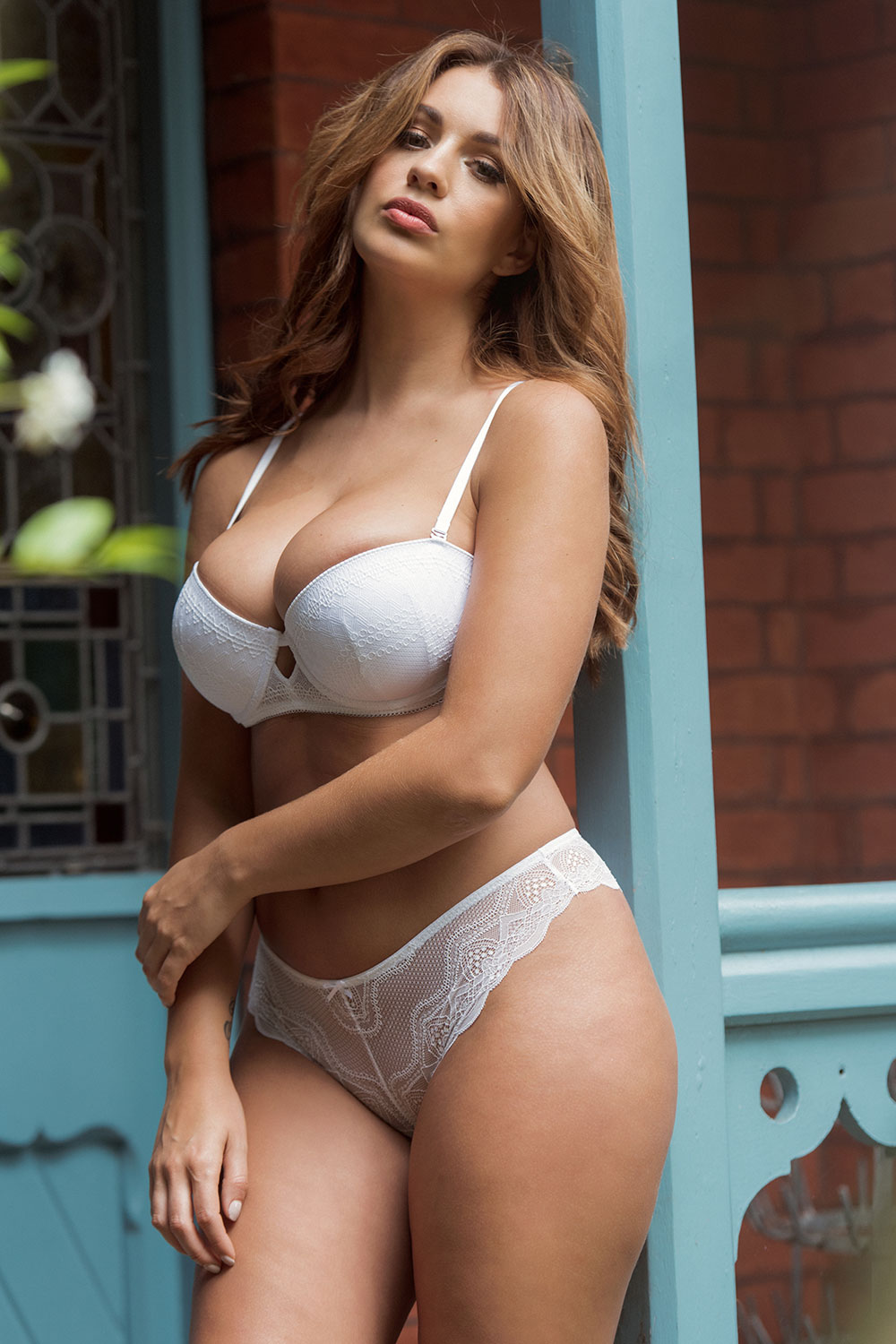 Holly Peers Sexy And Topless 4 Sn26812