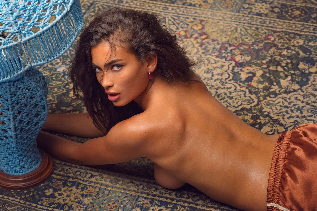 Kelly Gale Topless 8