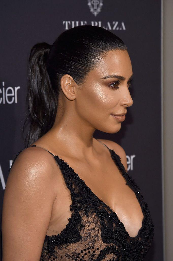 Kim Kardashian Sexy 10 1 1
