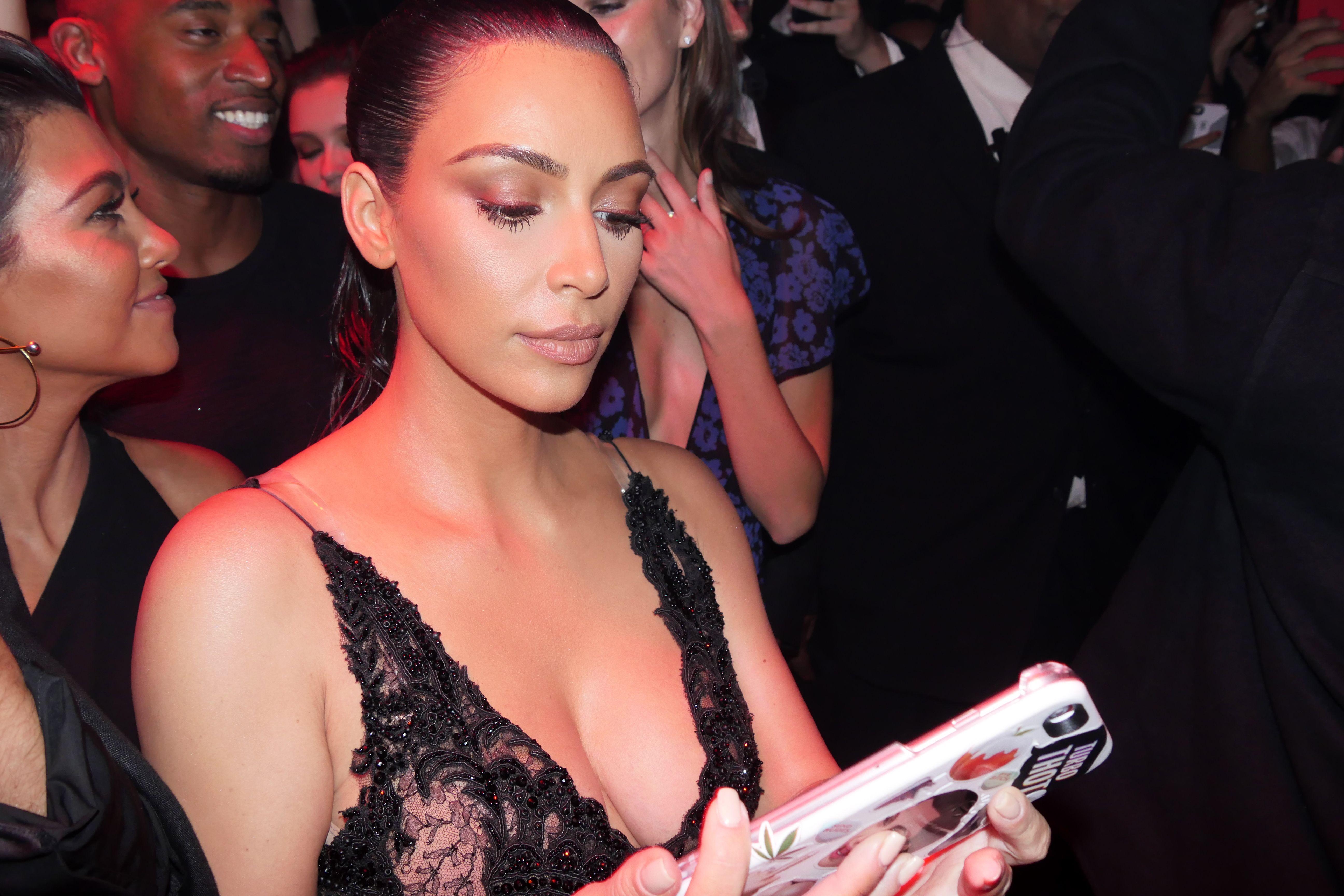 Kim Kardashian Sexy 4 1 3