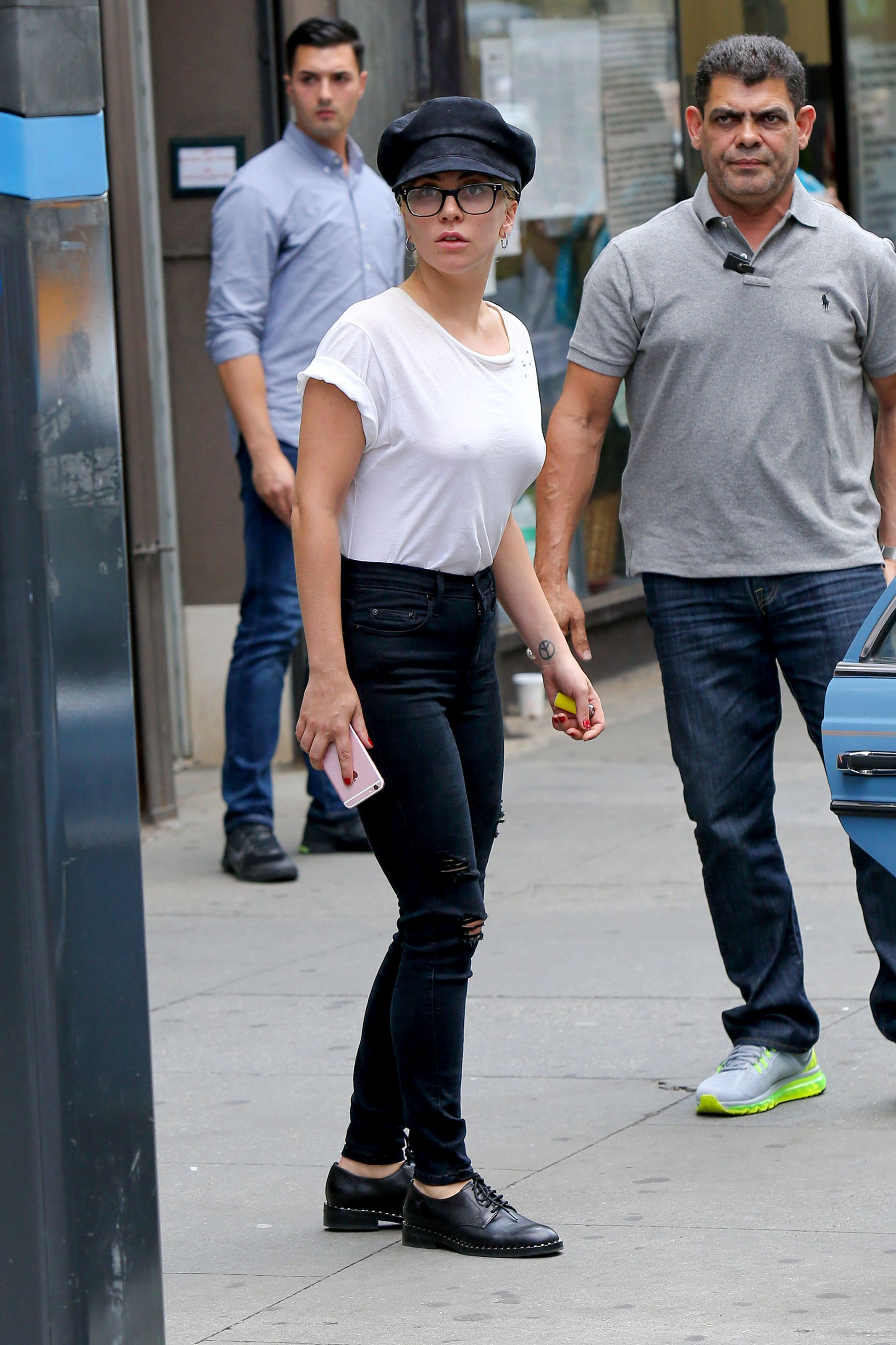 Lady Gaga Braless 10