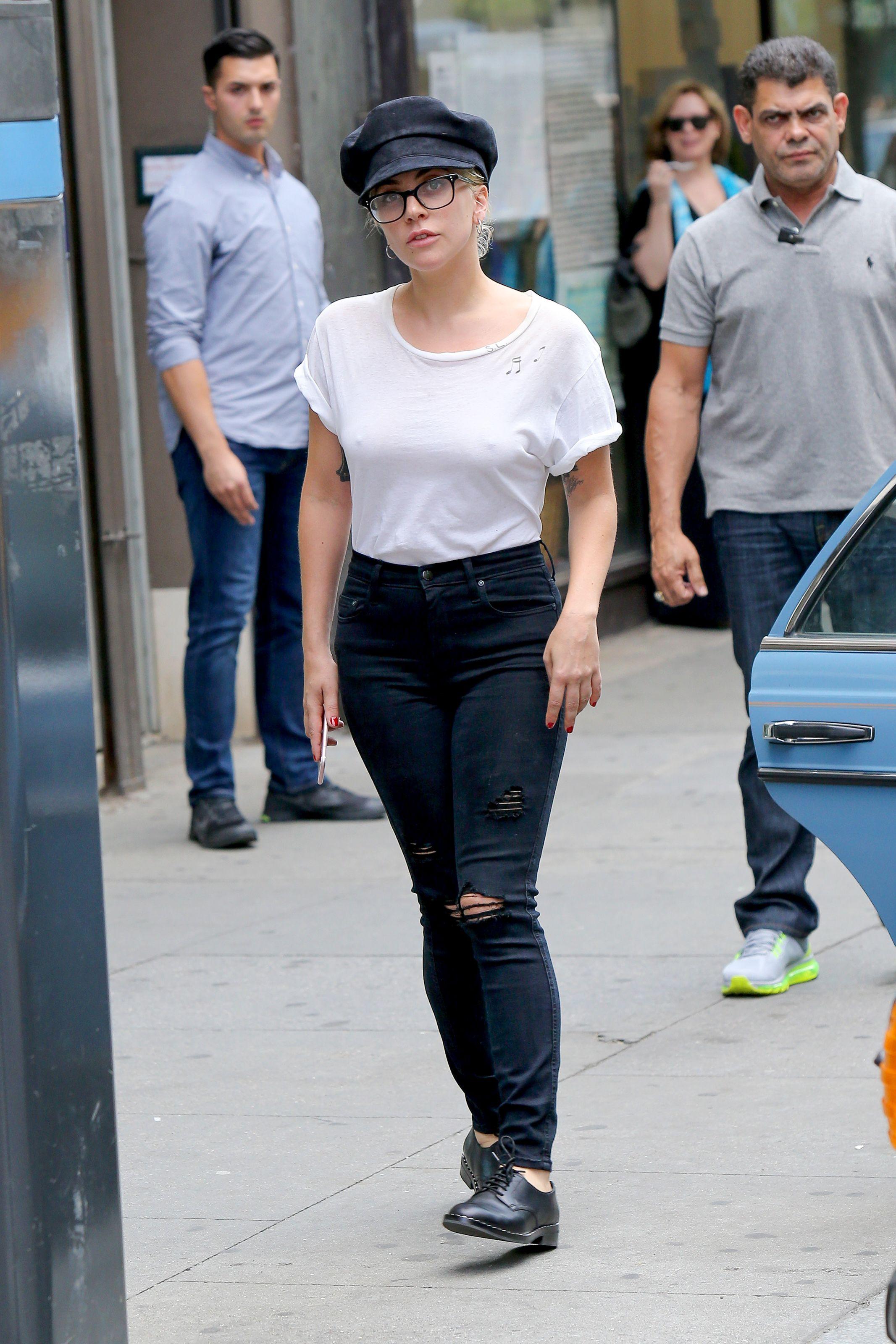 Lady Gaga Braless 3 Sn13878