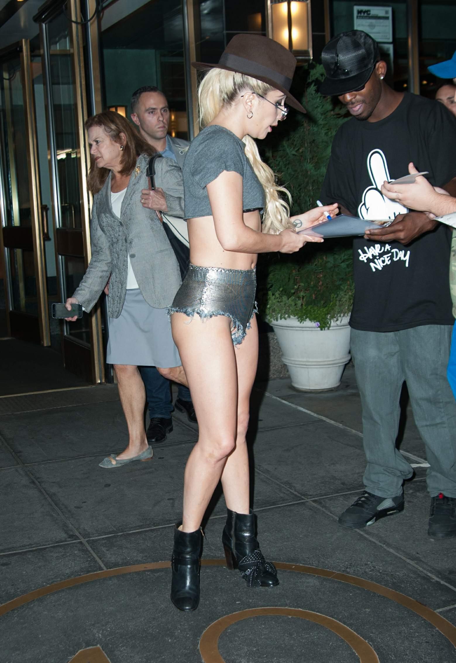 Lady Gaga Upshorts Thefappening.so 19