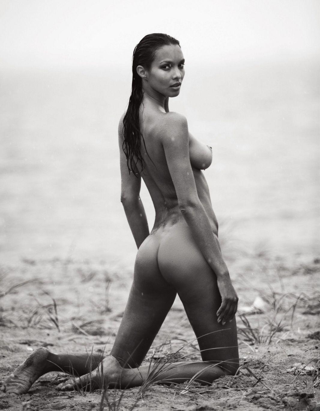 Lais Ribeiro Nude 6