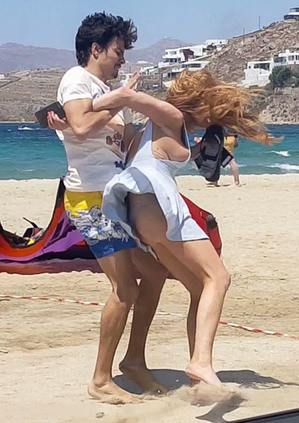 Lindsay Lohan Tit Slip 6