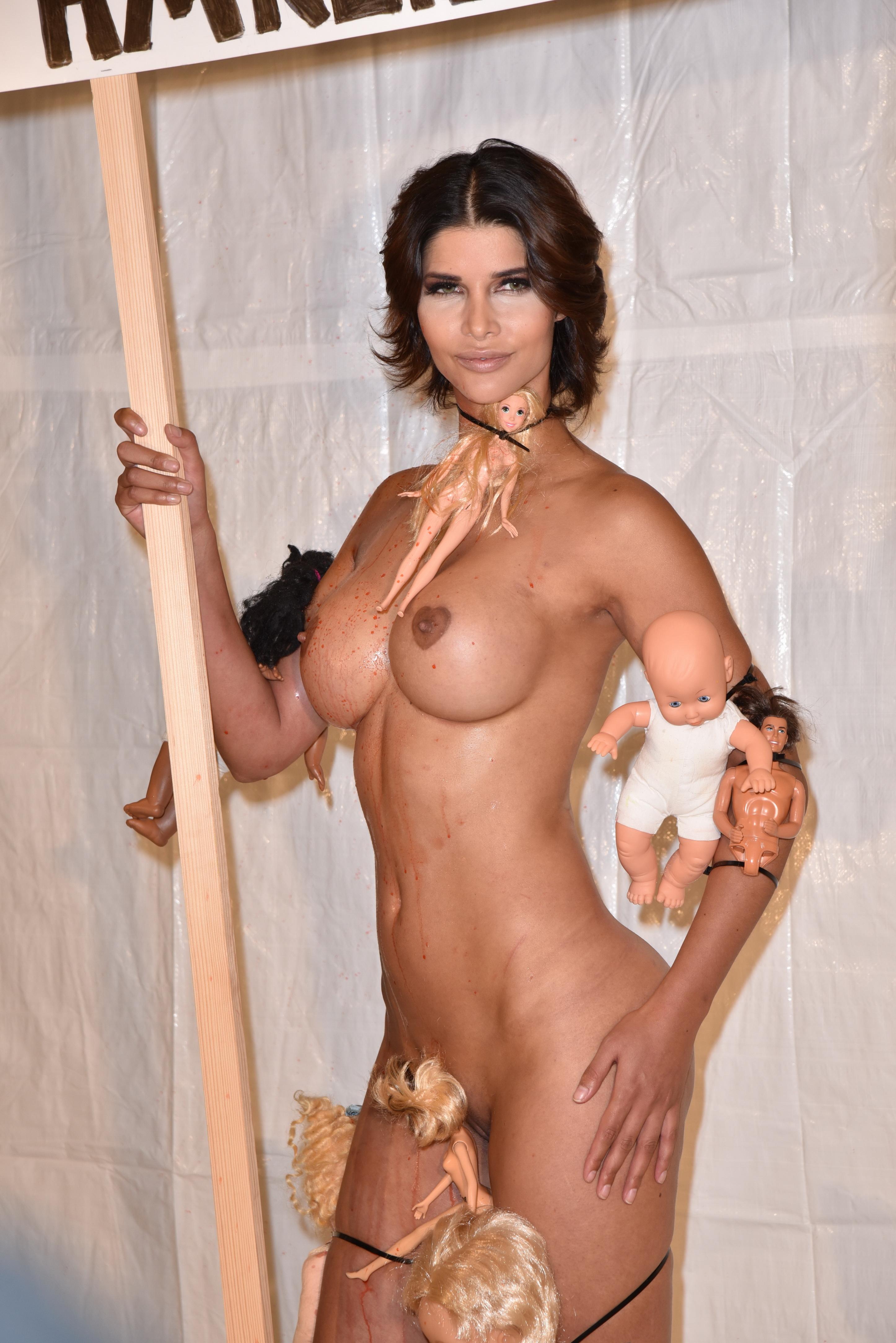 Micaela Shaefer Nude 4