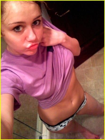 Miley Cyrus Sexy Selfies 4