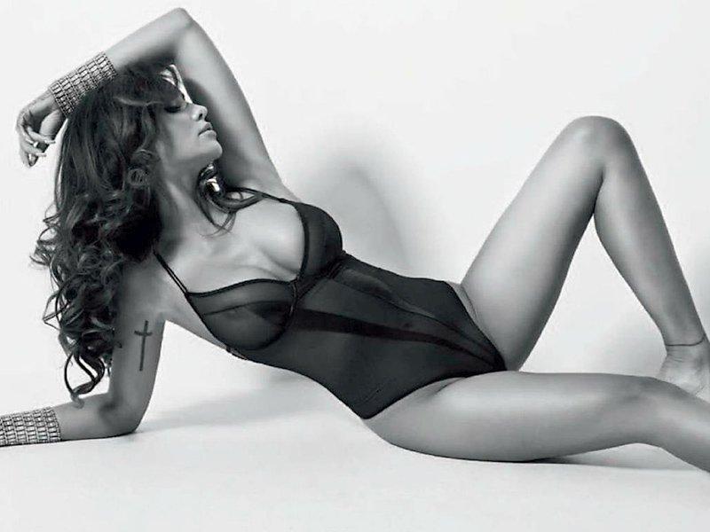 Monika Pietrasinska Sexy Pics 2