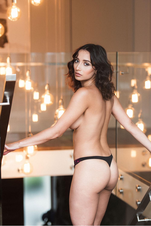 Nicola Paul Sexy And Topless Pics 2