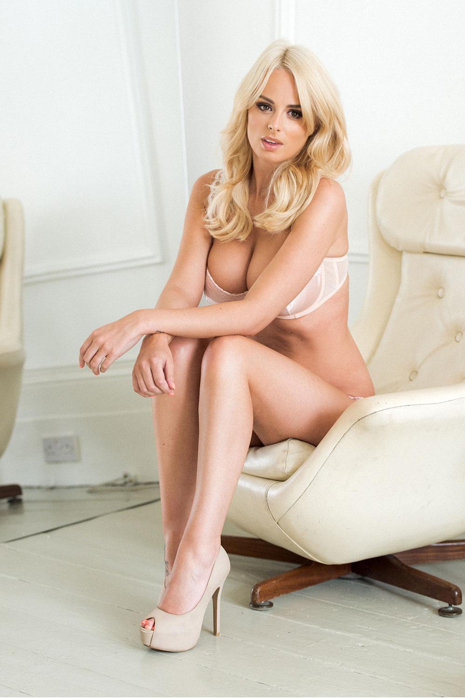 Rhian Sugden Sexy Topless 3 Sn3900