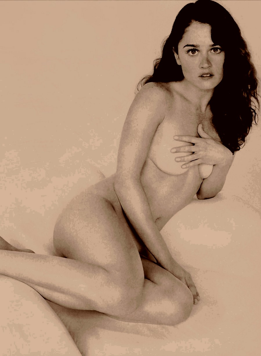 Robin Tunney Nude 3