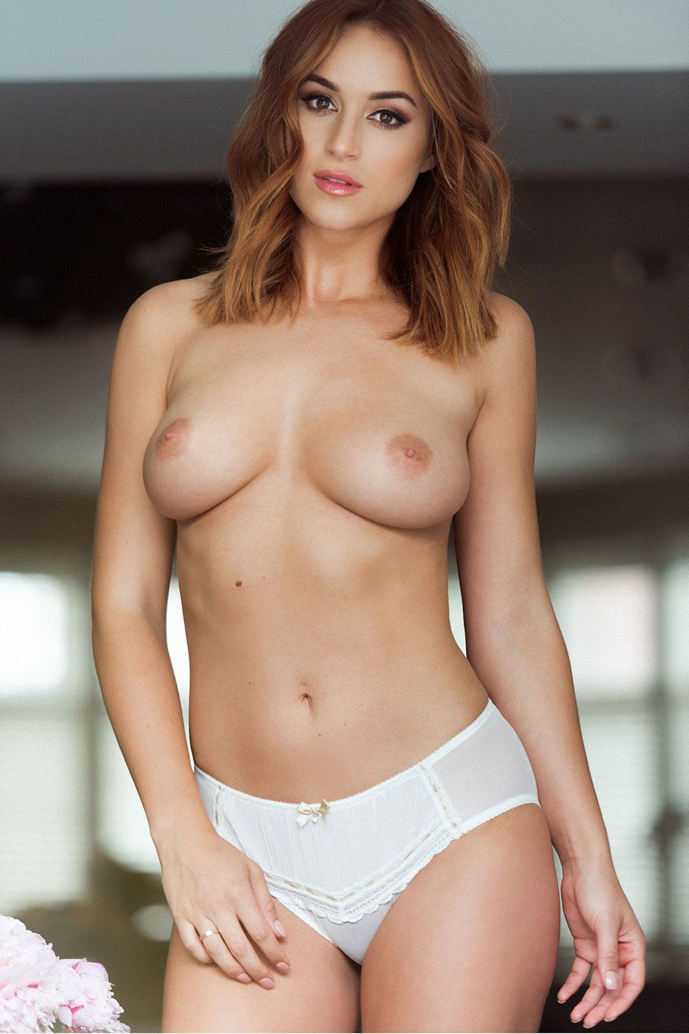 Rosie Jones Sexy And Topless 4 11