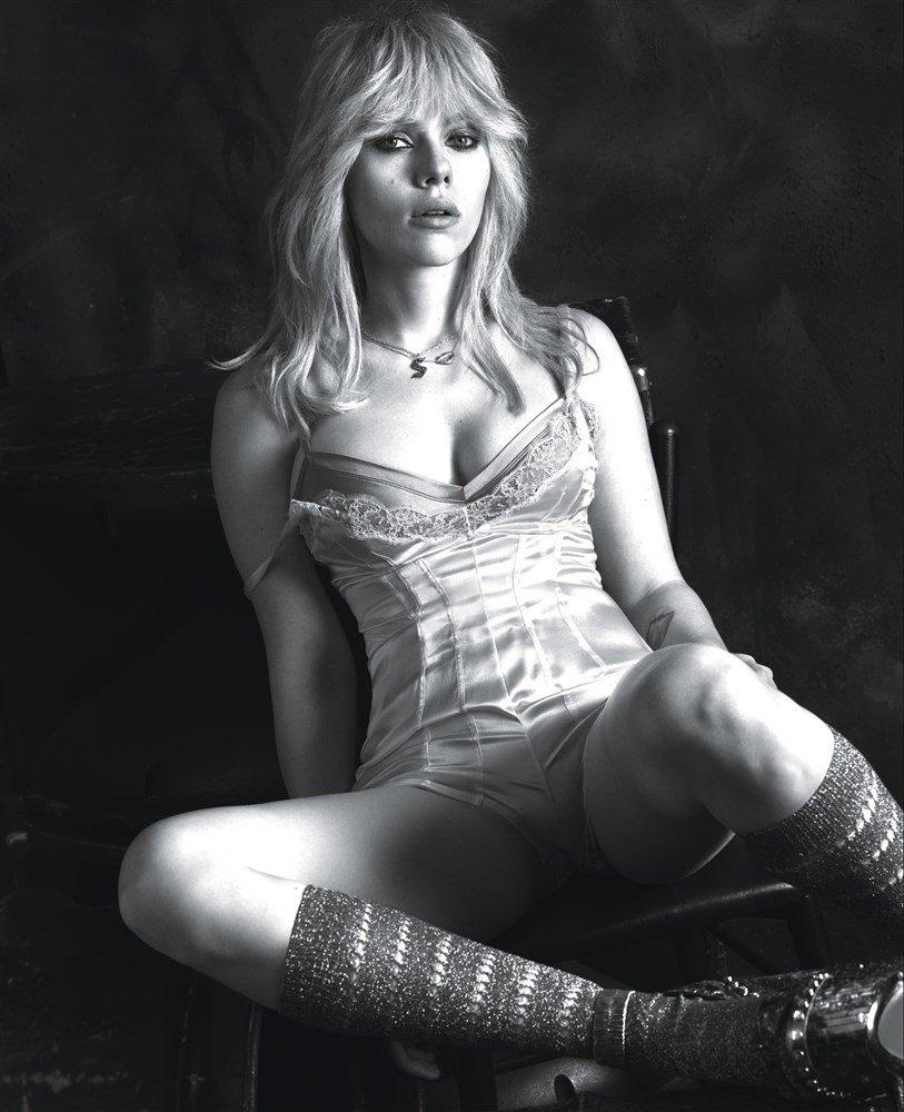 Scarlett Johansson Hot Lingerie 1
