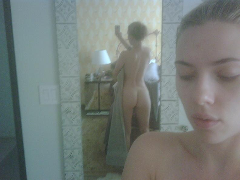 Scarlett Johansson Nude Selfies 1