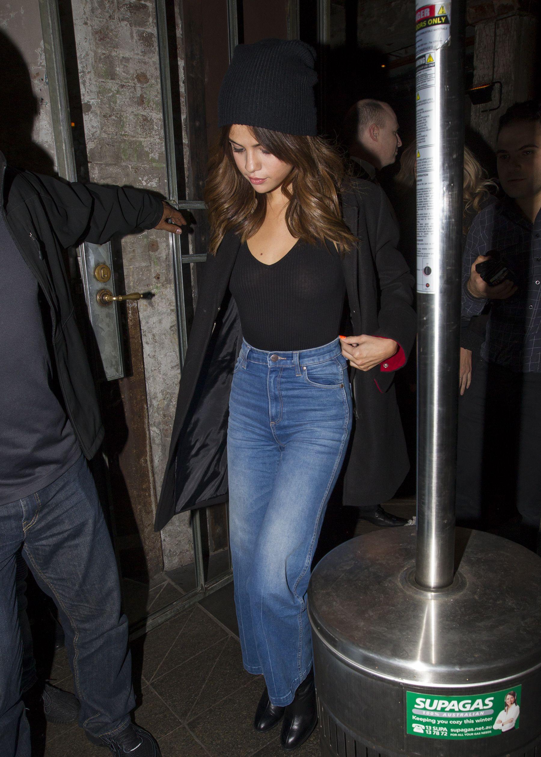 Selena Gomez Braless 4