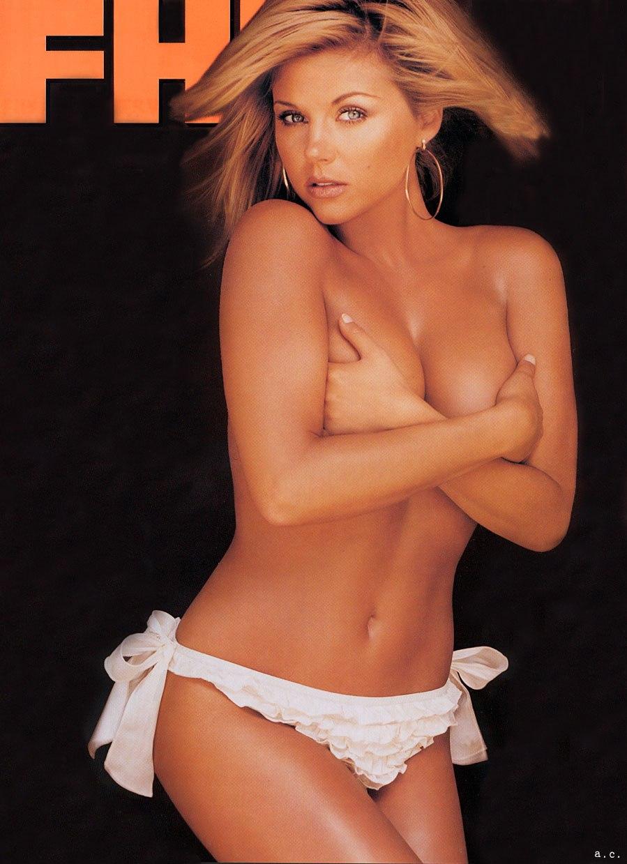 Tiffani Amber Thiessen Topless Sexy 1