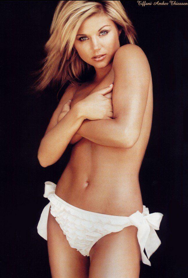 Tiffani Amber Thiessen Topless Sexy 2