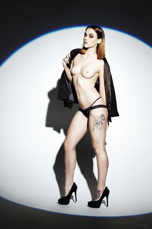 Topless Mellisa Clarke Pictures 2
