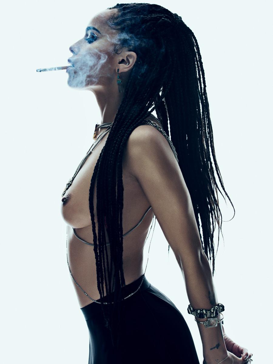 Topless Photos Of Zoe Kravitz 4