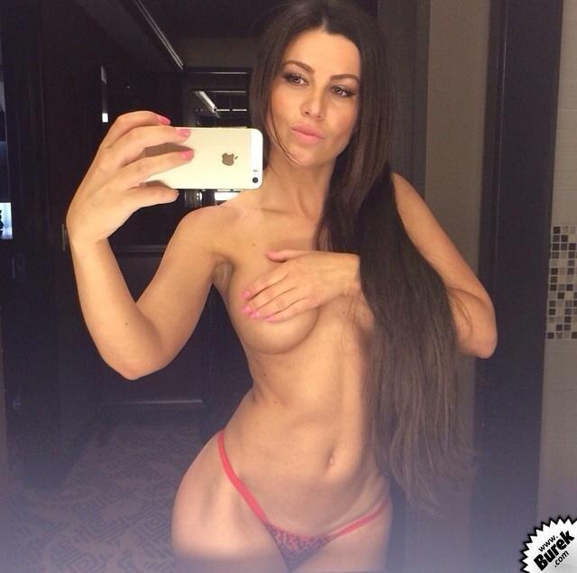 Topless Stanija Dobrojevic Photos 1