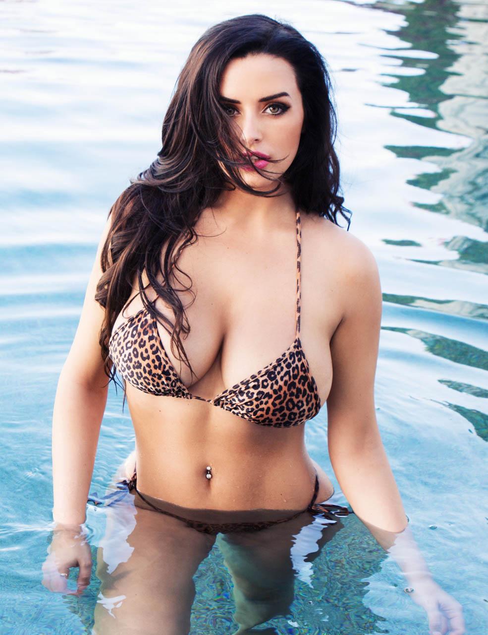Abigail Ratchford Sexy bikini 1