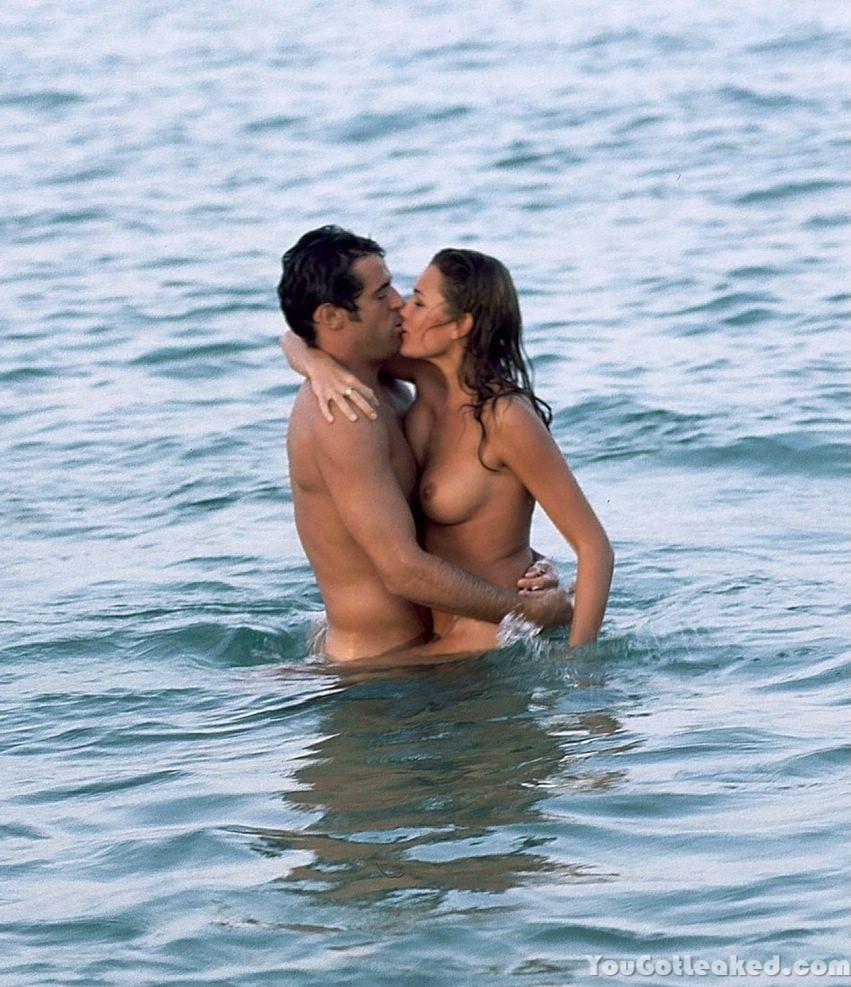 Alena Seredova topless pics (2)
