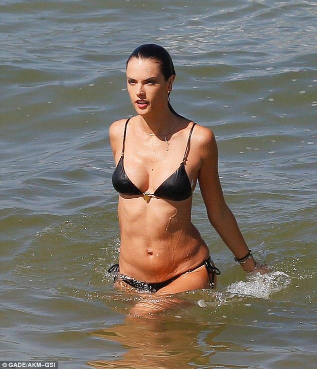 Sexy Pics Of Alessandra A...