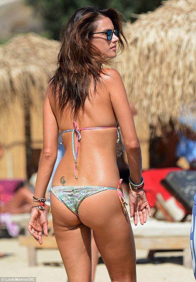 Alessandra Ambrosio Photo...