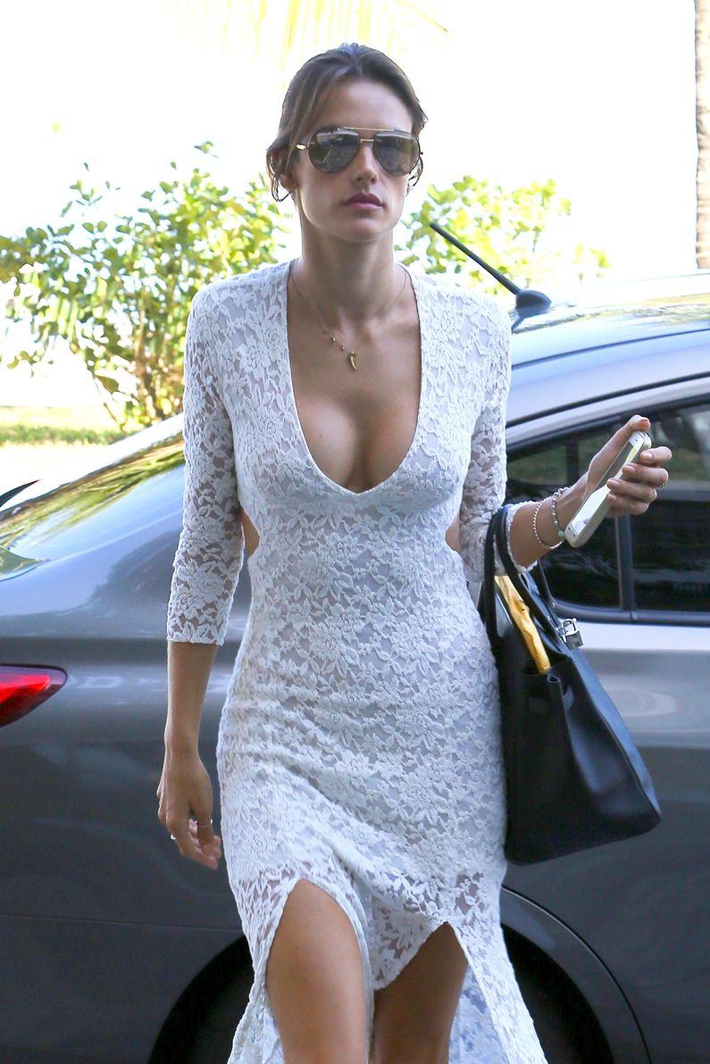 Alessandra Ambrosio Tits