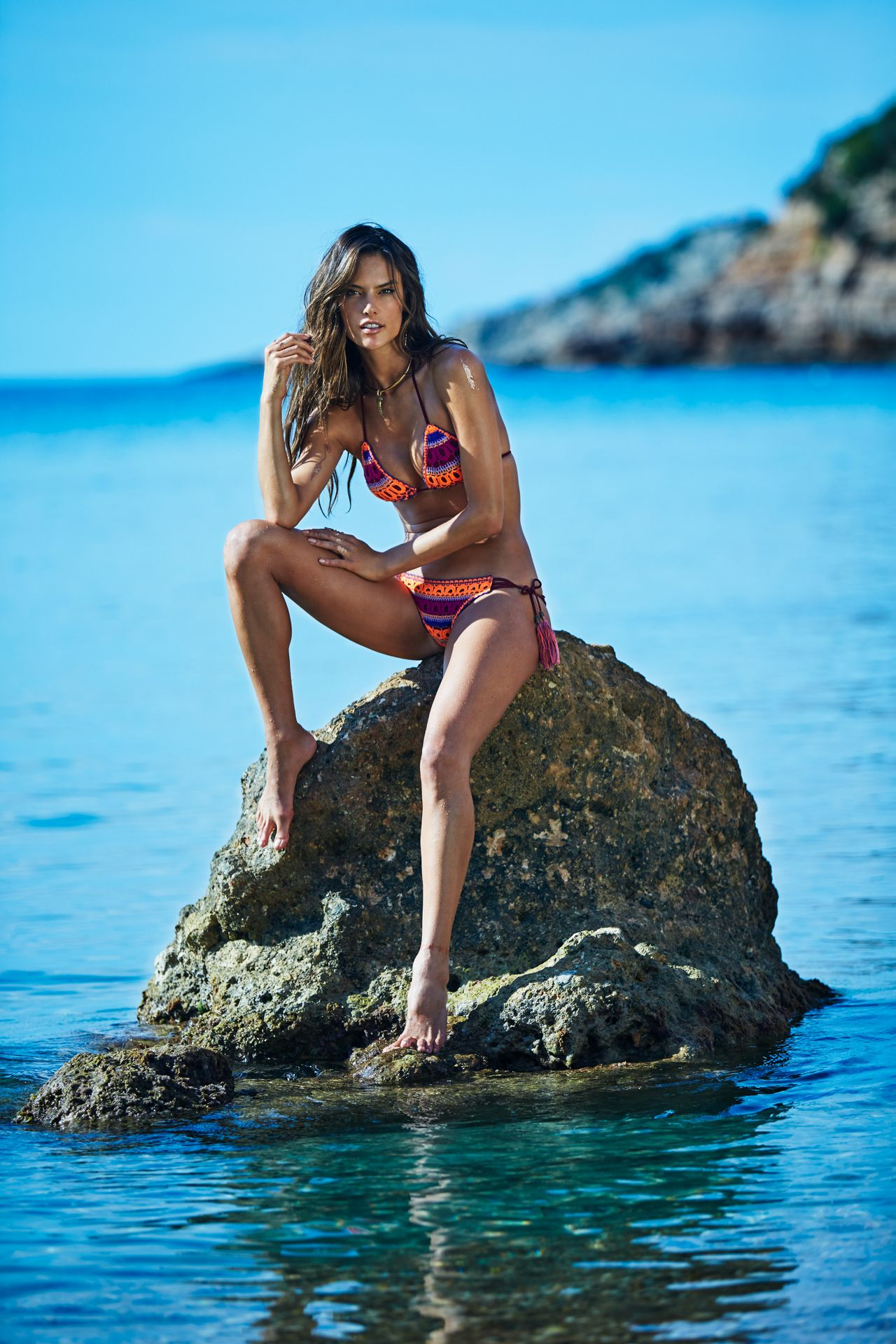 Alessandra Ambrosio Bikin...