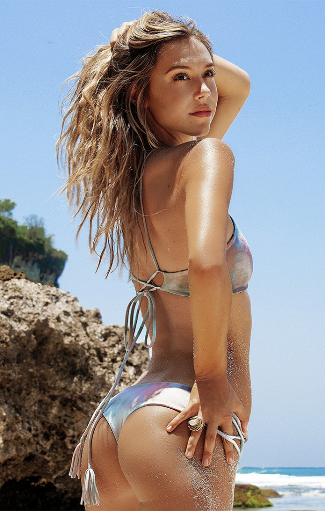 Sexy Photos Of Alexis Ren