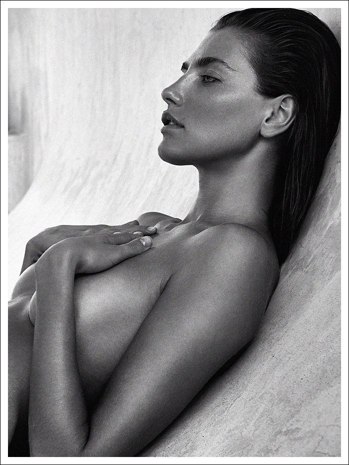 Alina Baikova Nude Photos...