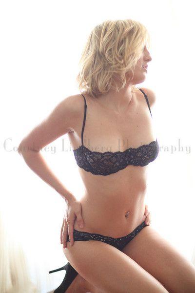 Alison Haislip Sexy Photo...