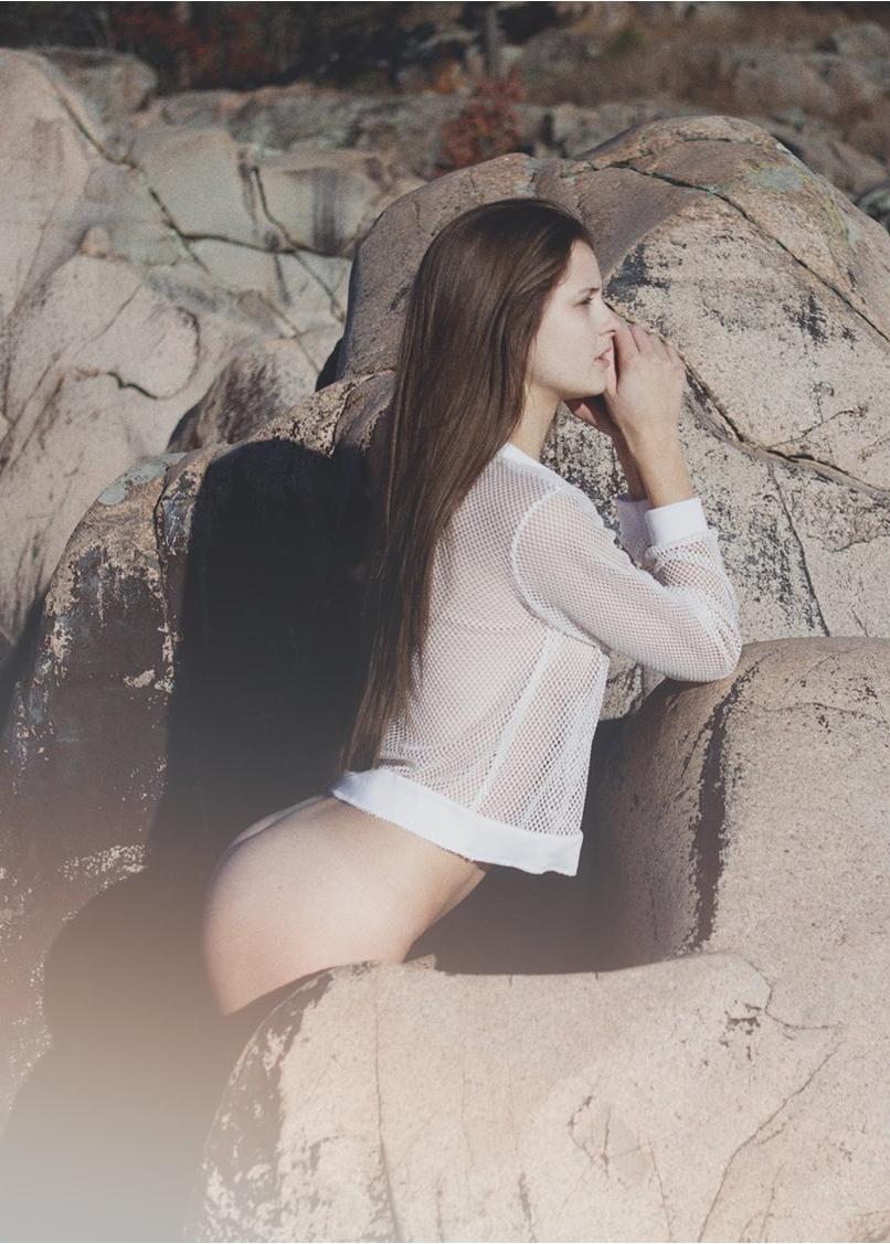 Nude Pics Of Alyssia Mcgo...