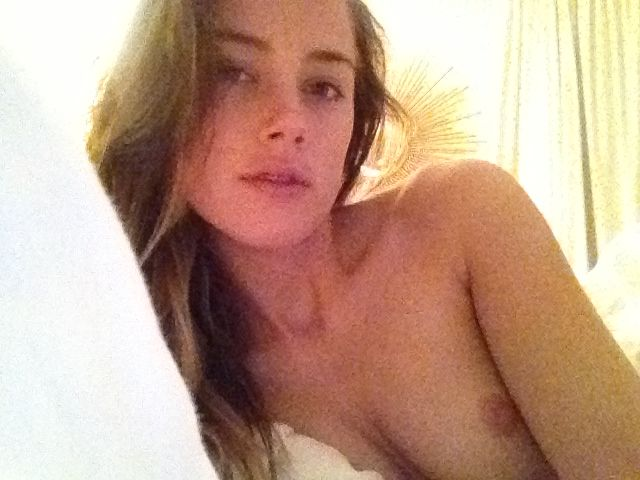 Amber Heard Nude! More 50...