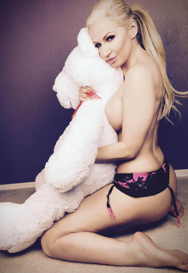 Ana Braga Topless Photos