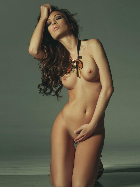 Anastasija Budic Naked Pi...