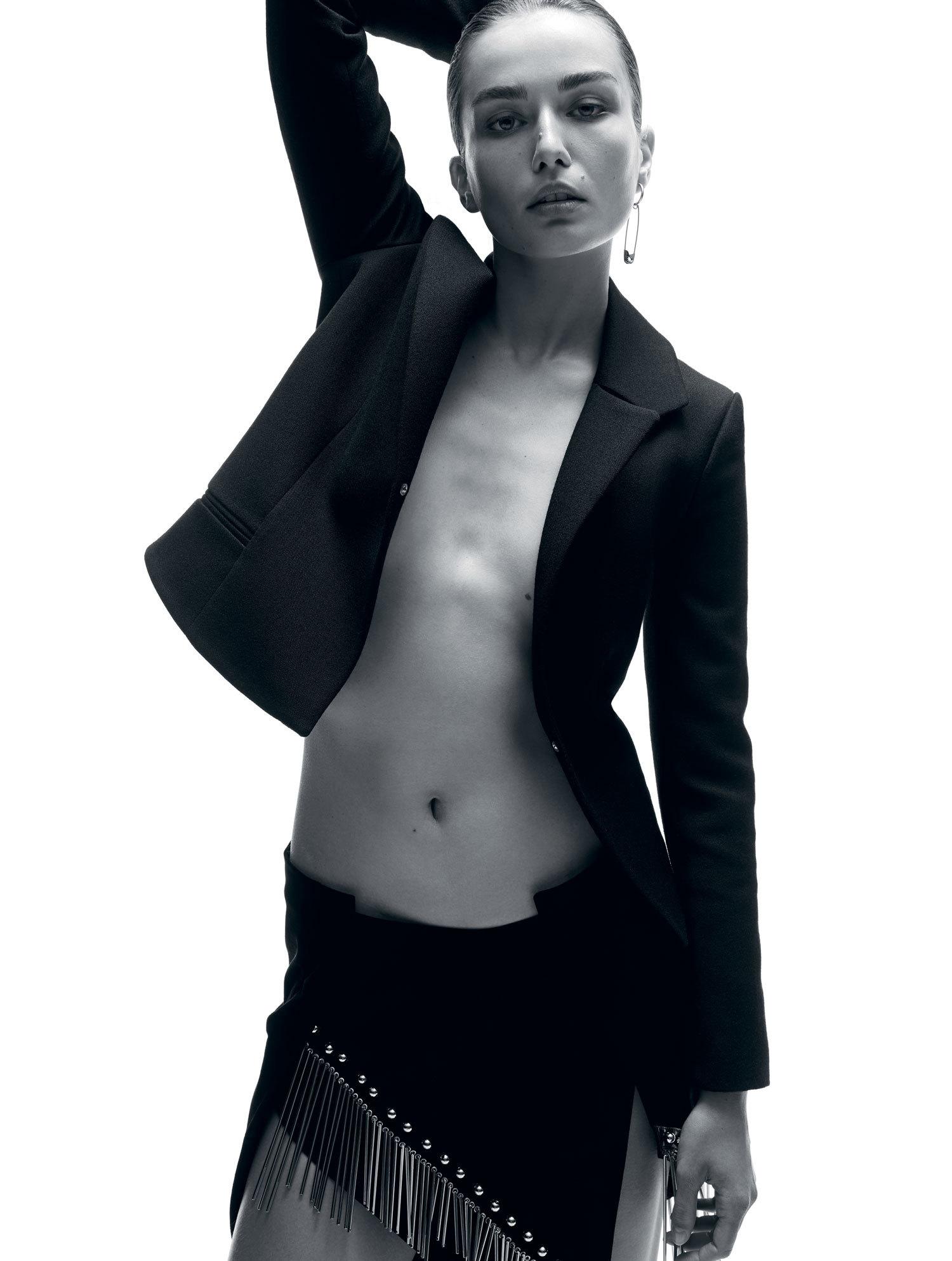 Andreea Diaconu Sexy Phot...